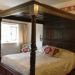  Hobcarton Four Poster