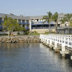  Mariners Waterfront Hotel &amp; Motel 2