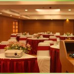  Silver Bills Conference Hall  Cluster Style