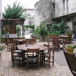                    le patio de l&#39;auberge de jeunesse