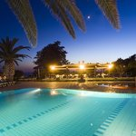  panoramica piscine di notte
