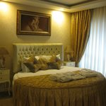                    The Kings Deluxe Room