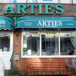 Arties Hotel