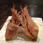 Tasty, deep-fried shrimp heads