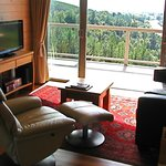  Relax in the Cottage apartment&#39;s lounge and enjoy a view