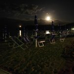                    Spiaggia di notte