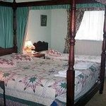 Warwick House B & B