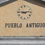  El Reloj a la entrada del Pueblo