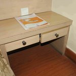 Case of a (very) bad carpenter job: drawer could not be closed.
