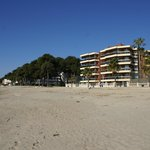  EDIFICIO Y PLAYA
