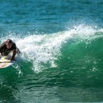  Technical surf coaching.
