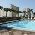  Pearl Manila Hotel Pool