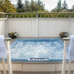 Private whirlpool hot tub available to Beachcomber and Seabreeze Cottages