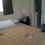 Queen size room with private bathroom first day in Auckland