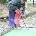                    cacha de golf para nios, paseo con la gente de recreacion