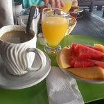                    El delicioso desayuno incluido en el Cohiba.