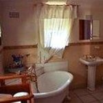  a glimps of a romantic bathroom