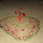 Happy Valentine beach decoration
