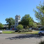                    Grand Hotel Yarra Glen