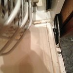 Dishwasher that needs a good clean up... the tray is missing some wheels which make it hard to s