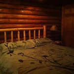 king size bed Cedar Lodge