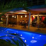  Restaurante ao lado da piscina