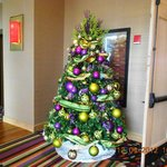  Christmas Tree outside smokeless casino