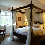                    Four Poster room with &quot;rabbits view&quot;