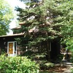 La Chaumière du Village B&B is located in the heart of Osborne Village. We speak french and engl