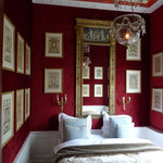  Romantic bedroom, velvet wallcovering, airconditioning, window on gardens