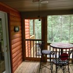 Screened in side porch at Skipper's Dream