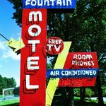Fountain Motel Sign