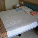  queen size bed for 2 occupancies
