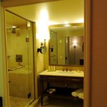 Centurion Tower Premium Room Bathroom