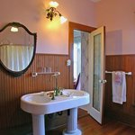  Penn Cove Suite private bath