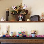  COMFORT INN LOBBY EASTER CUTE