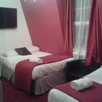 Large room - 2 double beds, minute shower room