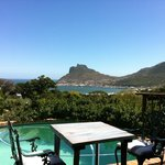                    Blick ber den Garten in die Hout Bay