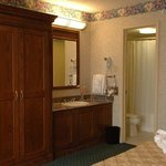 King Suite Bath