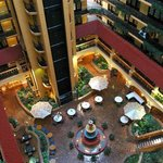 Welcome to Embassy Suites Hotel Kansas City-Plaza