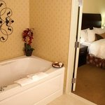 Suite with Jet Tub