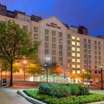  Hilton Garden Inn Arlington Exterior