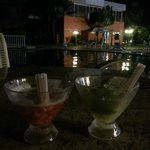                   Caipirinhas na piscina
