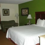 Foto van Days Inn & Suites Wichita