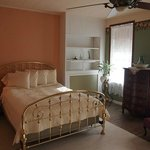 Maid's Quarters Bed, Breakfast & Tearoom