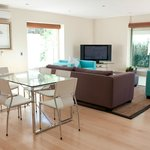 43-on-Cabriere: Dining Area