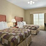 2 Queen Bed 1 Bedroom Suite