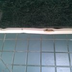 Tub caulking and tile