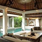 Suoni lounge & pool bedroom