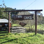 ‪Twin Oaks Riding Ranch‬